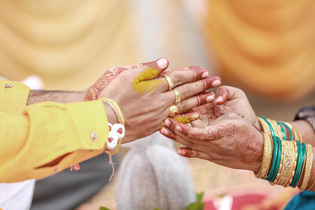 Cómo será mi boda si me caso con un hindú, japonés o ruso