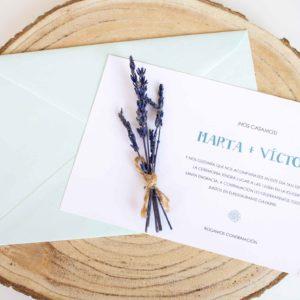 Invitación boda clásica azul con flores secas - The Sweet Dates Zaragoza