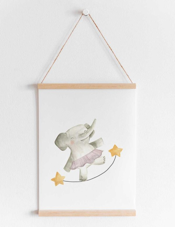 lámina infantil elefante sobre cuerda